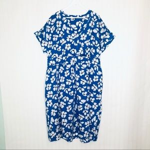 Who What Wear blue floral V-Neck dress size XXL